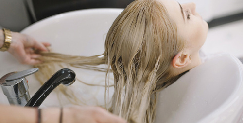 Saçlarının rengini platin yapmak isteyenler dikkat!
