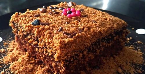 Çikolata severler için akışkan kumlu pasta!
