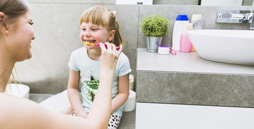 Çocukların dişlerini fırçalamaları için ısrar etmeyin!