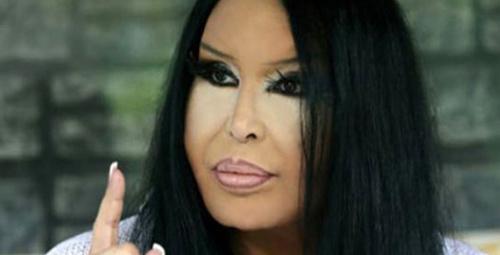 Diva'yı hiç böyle görmediniz! İşte leopar desenli mayosuyla olay poz!