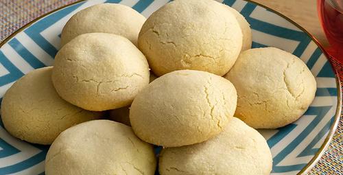 Sadece 3 malzemeli: Krem şantili kurabiye