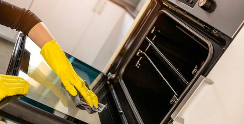 İşte fırın temizlemenin en kolay yöntemi!