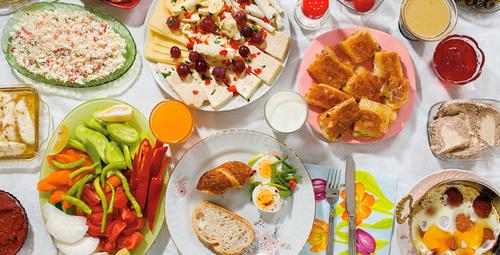 Pazar kahvaltılarına yakışır: Kaşarlı zarf böreği
