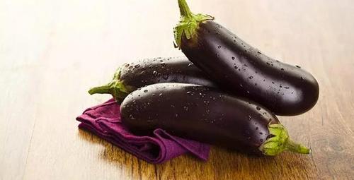 Kızarttığınız patlıcanların yağ çekmemesi için...