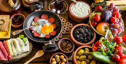 Kahvaltıda lezzet bombası: Ajvar tarifi