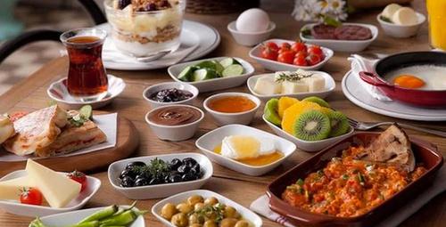 Kahvaltı sofralarına enfes alternatif: Peynirli sıkma