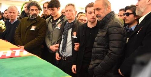 Babasının tabutu başında fenalaşan Ali'yi Yılmaz Erdoğan tesli etti!