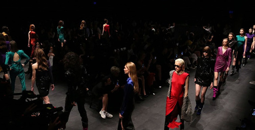 Fashion Week'ten ilk gün defileleri
