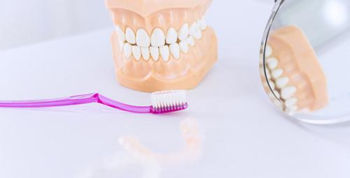 Dişlerin düzelmesi için diş teli ağızda ne kadar kalmalı?
