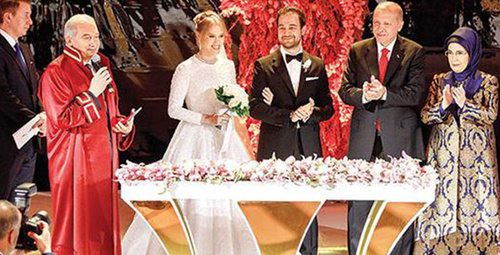 Demirören kızını evlendirdi düğünün detayları ve gelinliği olay!