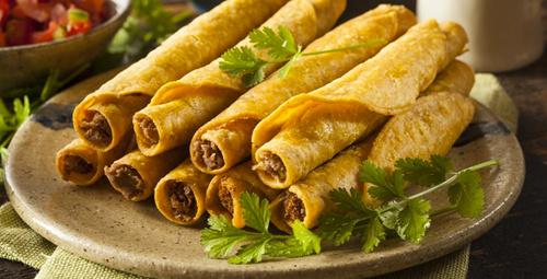 Baş döndüren lezzet: Kıymalı tortilla böreği tarifi