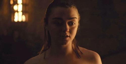 Game Of Thrones'un küçük Arya'sının sevişme sahnesi tepki topladı!