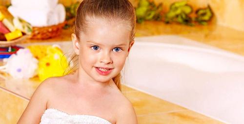 Büyük çocuğa banyo nasıl yaptırılmalı?