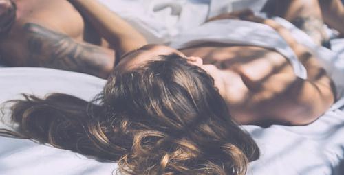 Erkekler yatakta neden rol yapar?