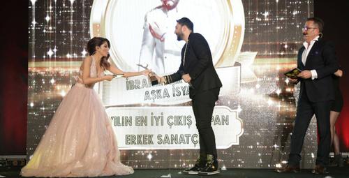 İbrahim Aktolon 'Aşka İsyan' single ödül getirdi!