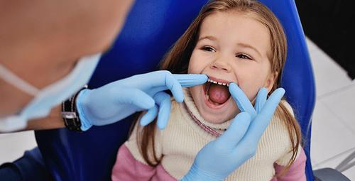 Çocuklar azı diş çıkarma dönemi ne zaman?