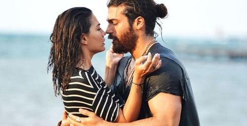 Can Yaman Demet Özdemir aşkının videosu ortaya çıktı!