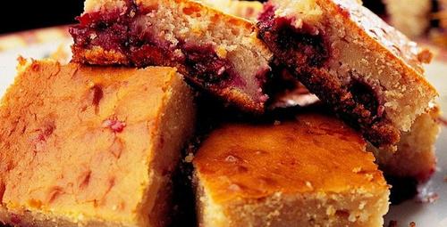 Yumuşacık yapısıyla: Vişneli pamuk kek tarifi