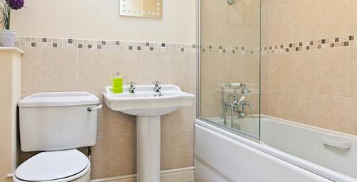 Duş sonrası banyonuzu sakın ıslak bırakmayın!