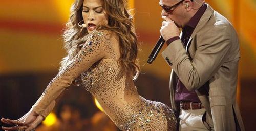 Dünya yıldızı Lopez festivale iç çamaşırı giymeden katıldı!