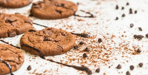 Sohbetin lezzeti damla çikolatalı kurabiye!