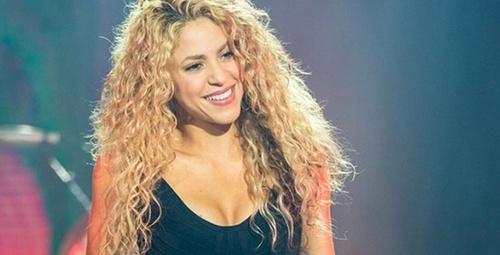 Shakira'dan olay video! Pembe bikinisiyle öyle bir dans etti ki...