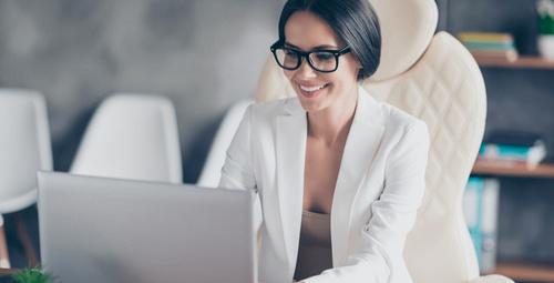 Çalışan kadınlar için en kolay cilt bakım tüyoları!