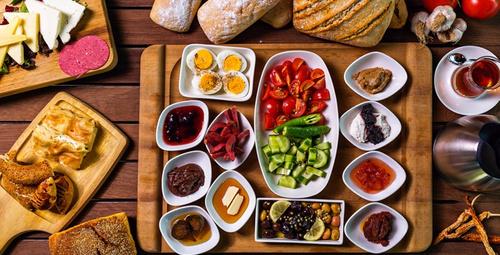 Kahvaltılarınızın baş tacı olacak: Kaymaklı krep tarifi