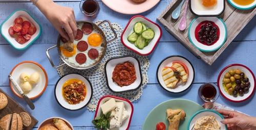 Kahvaltı için enfes tat: Peynirli milföy çubukları