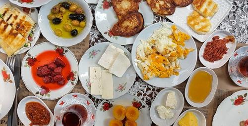 Haftasonu kahvaltılarının vazgeçilmezi: Yumurtasız mücver