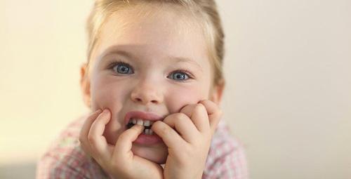 Çocuklarda tırnak yeme alışkanlığını bıraktırmak için...