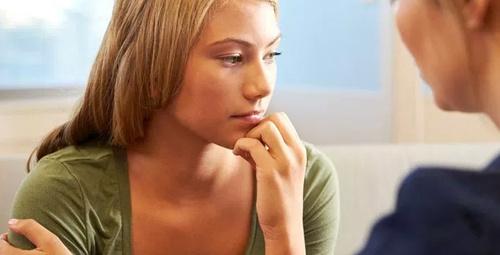 Ergenlikte kızların özgüveni nasıl arttırılır?