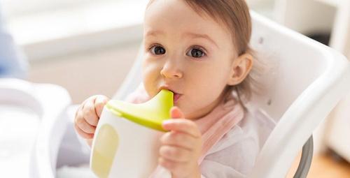 Yenidoğan bebeğe ne zaman su verilir?