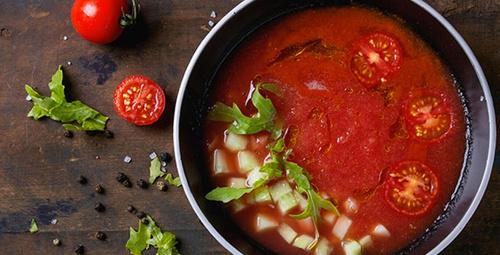 Yaz aylarında içinizi ferahlatacak: Gazpacho tarifi