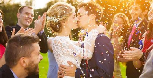 Evlenmek için aşk yeterli midir?