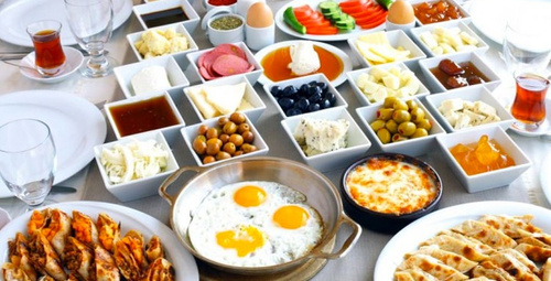 Kahvaltıda enfes lezzet: Ev usulü su böreği tarifi