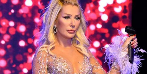 Seda Sayan beyaz bikinisiyle oryantal dansı ağızları açıkta bıraktı!