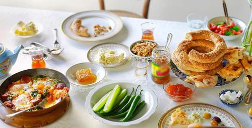 Güne lezzet dolu başlayın: Kahvaltı salatası