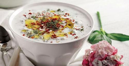 Yaz sıcaklarında bunalanlar içi soğuk çorba tarifi!