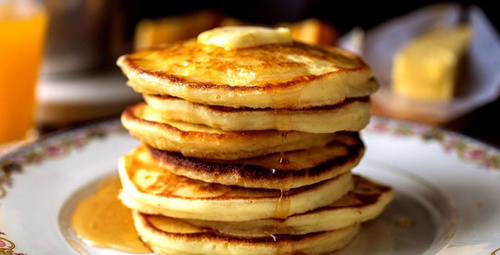 Sabah kahvaltıları için tavaya yapışmayan pancake!
