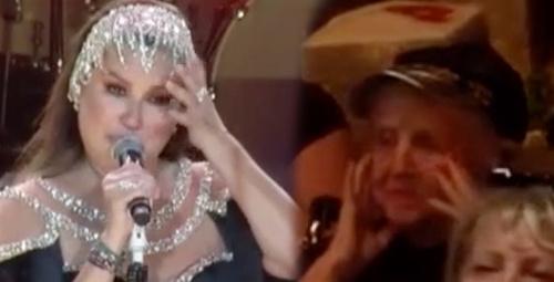 Deniz Seki konserinde gözyaşlarına boğuldu!