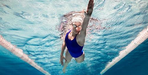 Yüzerken bacağınıza kramp giriyorsa...