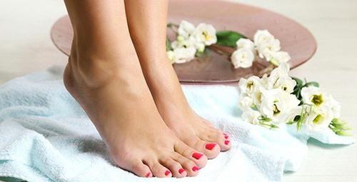 Çatlamış ayaklara 3 doğal çözüm önerisi!