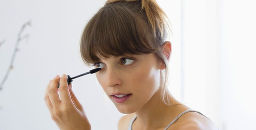 Alışverişe çıkarken hangi tonlarda makyaj bizi doğal gösterir?