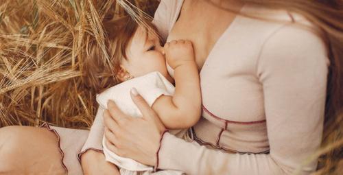 Bebeği emzirirken bu alışkanlıklara dikkat!