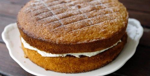 Dünyanın en çok kabaran keki nişastalı kek!