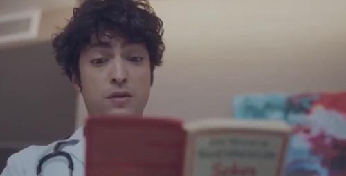 Mucize Doktor'da Ali doktorun kitap okuduğu sahne gözyaşlarına boğdu!