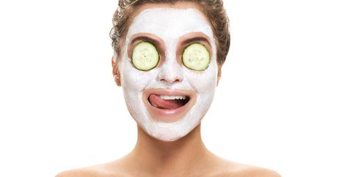 Salatalık maskesi ile yaşlanmayı durdurun!