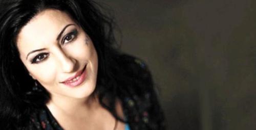 2. kez kanseri yenen ünlü şarkıcıdan sevenlerini üzen haber!