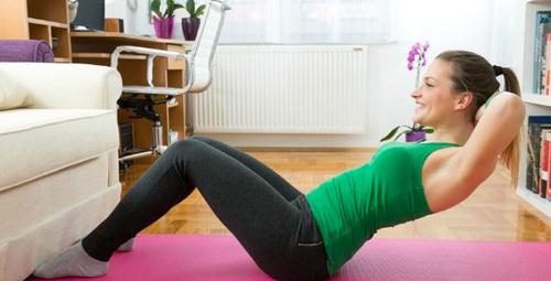 İşte evde yapabileceğiniz 5 basit egzersiz hareket!